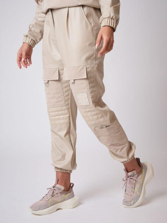 pantalon-matelassage-carre-simili-cuir-f204033