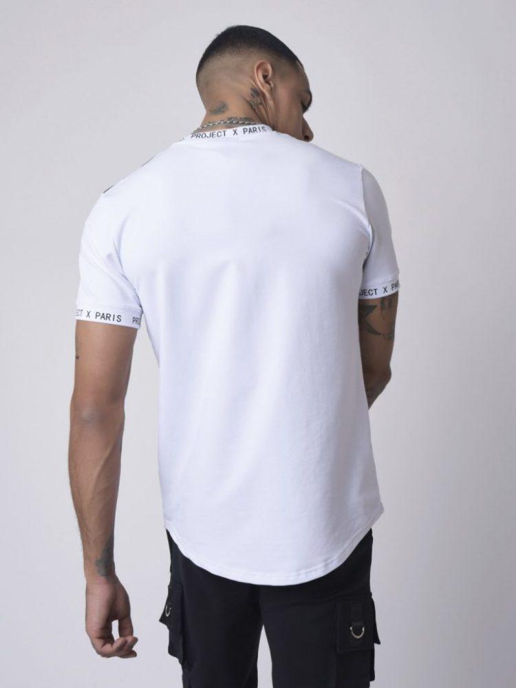 tee-shirt-empiecement-et-message-texte (1)